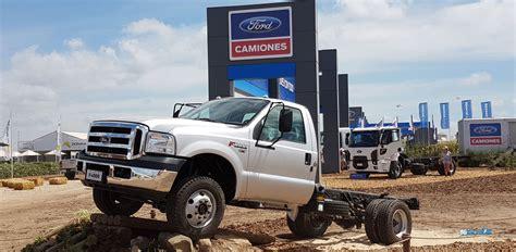 What Does Se Stand For Ford by Ford Camiones Exhibi 243 Su Gama De Veh 237 Culos Para El Campo