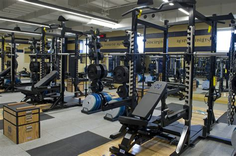 notre dame football weight room weight room pictures to pin on pinsdaddy