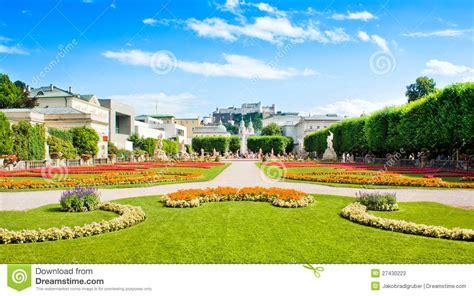 giardini famosi giardini famosi di mirabell a salisburgo austria immagine