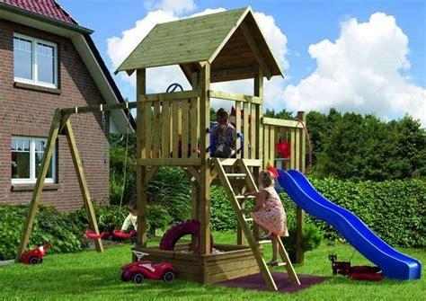 balancoire bois avec cabane cabane avec balancoire les cabanes de jardin abri de