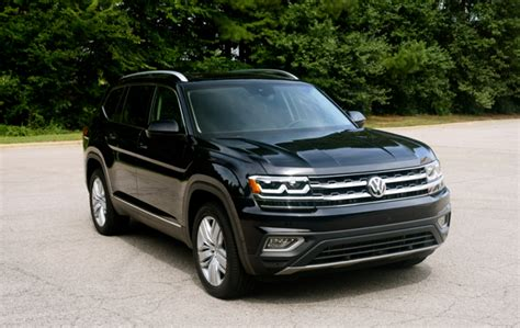 black volkswagen atlas on the road with the 2018 volkswagen atlas