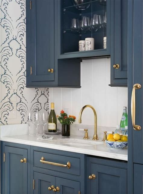 wallpaper cabinets pinterest blue cabinets casa de abd pinterest kitchens wet