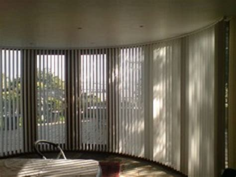 Blinds For Bow Windows Ideas appropriate window treatments for bow windows
