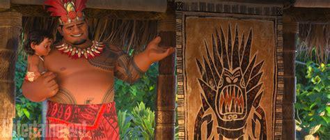 the hidden layers of disneys movie enchanted 2 moana hidden cameos include little mermaid wreck it ralph