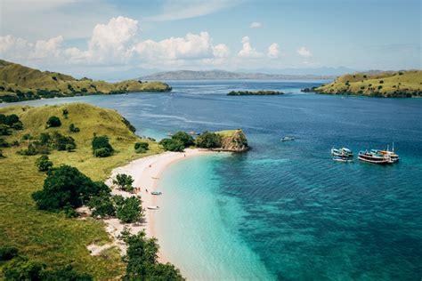 paket wisata  labuan bajo  promo liburan murah