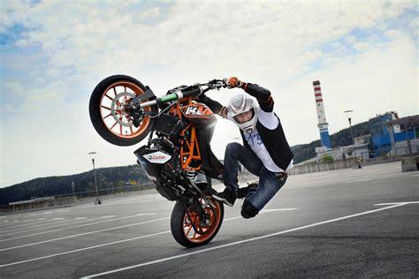 Ktm 125 Stunt Ktm 125 Duke Rok Bagoroš Ktm Stunt Rider Bikerspirit