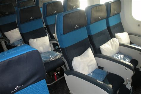 klm airlines economy comfort klm debuts the 787 9 dreamliner in its san francisco route
