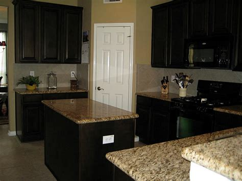Kitchen Remodel With Black Appliances Kitchens With Black Appliances Black Appliances White
