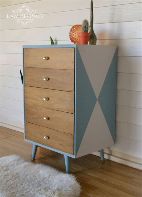 Diy Painted Chest Of Drawers by Best 20 Chest Of Drawers Ideas On Grey Chest