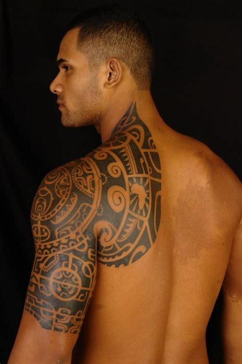 tattoo on shoulder mens shoulder tattoos for men mens shoulder tattoo ideas
