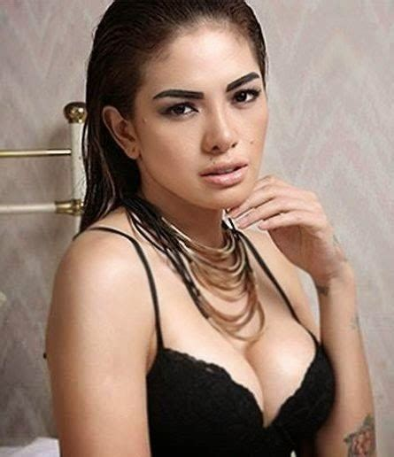film indonesia hot nikita mirzani artis indonesia hot pose penelusuran google nikita