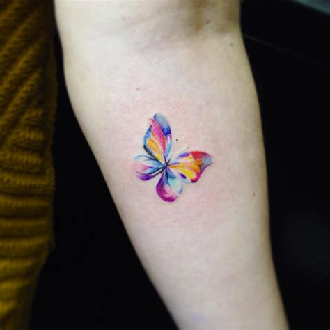 65 tiny tattoos you ll easily convince yourself you