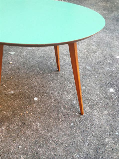 Table Basse Ronde Vintage #1: table-basse-bois-ronde-vintage-scandinave.jpg