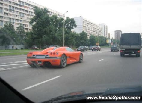 koenigsegg russia koenigsegg ccr spotted in moscow russia on 09 20 2005