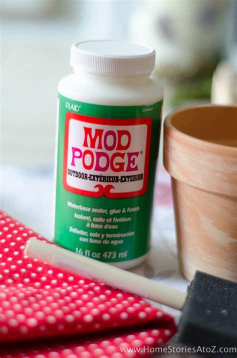 diy mod podge flower pot how to mod podge flower pots easy diy gift idea