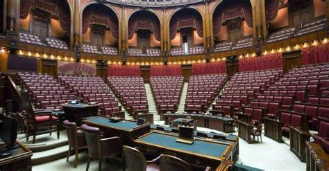stipendi dipendenti e senato stipendi dipendenti parlamento tetto a 240mila