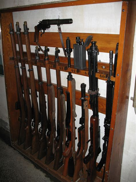 Gun Racks by Wooden Build Your Own Gun Rack Pdf Plans
