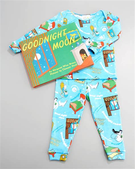 books to bed books to bed goodnight moon pajama and book set infant