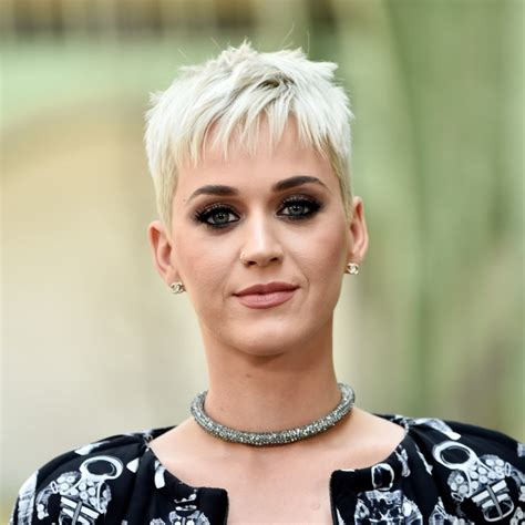 short biography katy perry katy perry s affiche sans maquillage 224 la plage photos