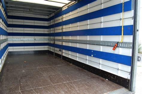 Location d'un camion 30m3 Mercedes Atégo Hayon Locabest
