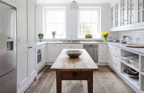 Farmhouse Kitchen Islands by Kitchen Design Ideas 6 Elements Of A Modern Classic Style