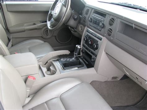 Jeep Commander Interior by 2007 Jeep Commander Pictures Cargurus