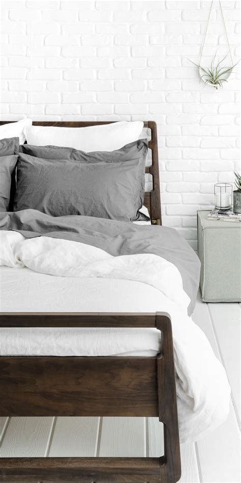 home bedding 25 best ideas about white bedding on fluffy