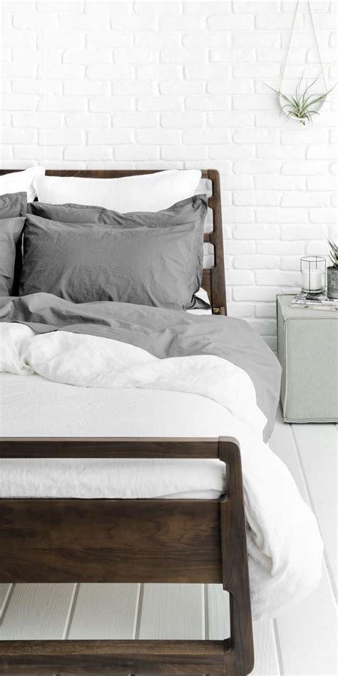 parachut bedding 25 best ideas about white bedding on fluffy