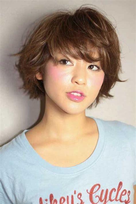 short bob hairstyle http www marieclaire fr carre court 1000 id 233 es 224 propos de coupe de cheveux japonaise sur
