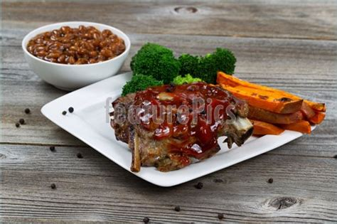 bbq ribs with side dishes picture