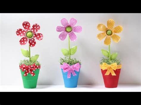 flores vasos de plastico de cafe papel macetas manualidades dia de la flores hechas con botella de pl 225 stico youtube