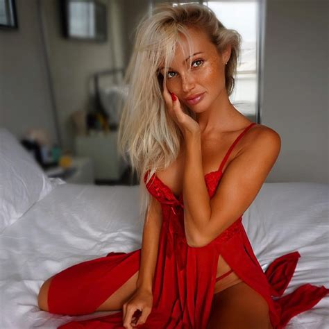 Merry From Topmodelgossip by Merry Models Abby Dowse Models