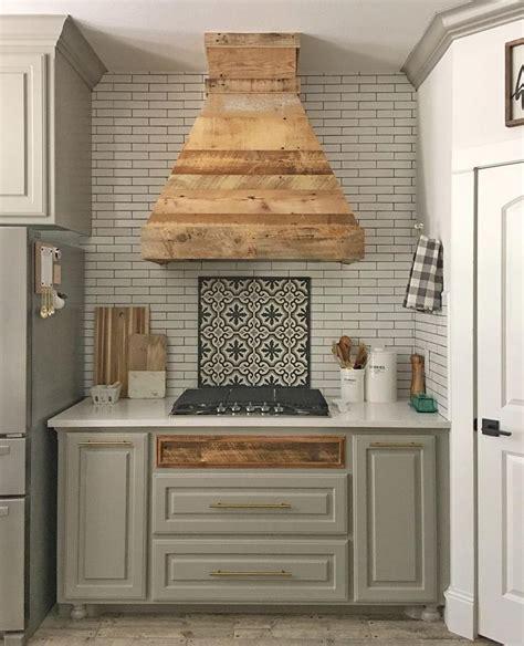 Prefab Kitchen Cupboards by Best 25 Prefab Kitchen Cabinets Ideas On