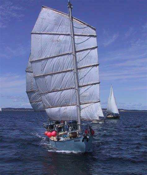 Origami Boat Building - boat