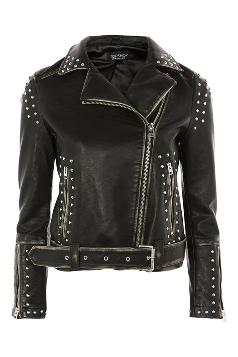9 Edgy Leather Jackets For Winter by Sofia Carson Rocks Edgy Leather Jacket And Metallic Boots