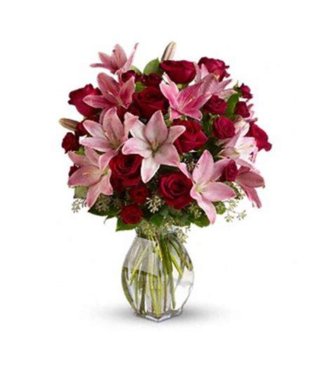 imagenes de rosas en jarrones jarr 243 n de rosas y lilium premium a domicilio con flores4you