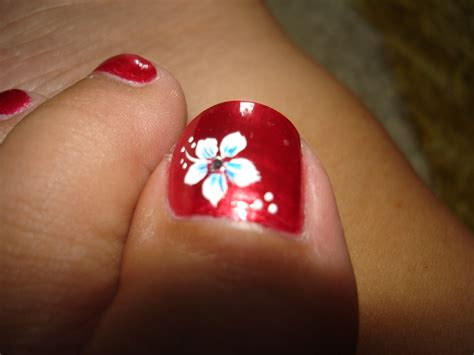 flower design on toes 6 toe nail art a photo on flickriver