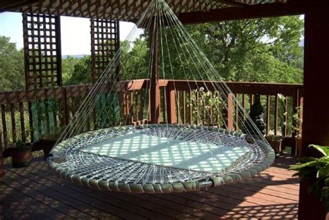 Swing Bed Definition by Best 25 Recycled Troline Ideas On