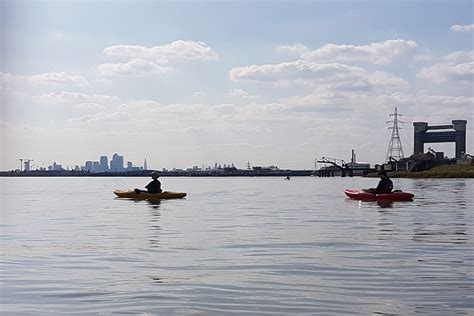 river thames kayak licence kayaking on the thames river roding to the qe2 bridge at