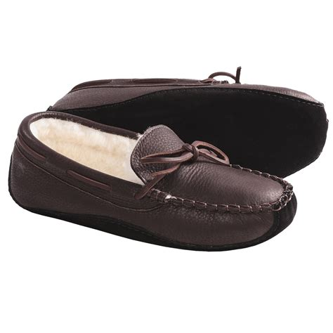leather house shoes for men acorn bison leather slippers faux fur lining for men in dark brown