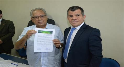 Commitment Letter O Que é amazonino signs letter of commitment to combating the use of slush