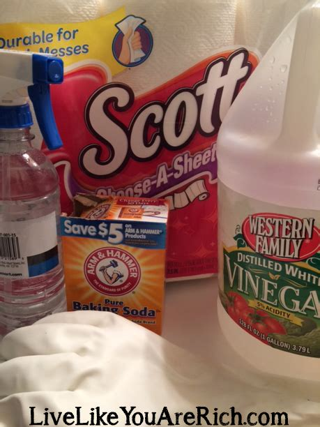 how to clean a bathtub with baking soda how to clean your bathroom in 7 minutes or less using