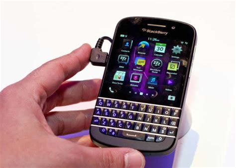 bb q10 blackberry q10 specs and review