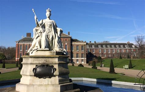 who lives in kensington palace lifestyles of the royal and famous at kensington palace