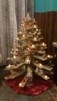 best 25 pallet christmas tree ideas on pinterest pallet