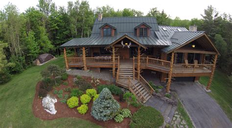 tiny house rentals in new england moose meadow lodge treehouse