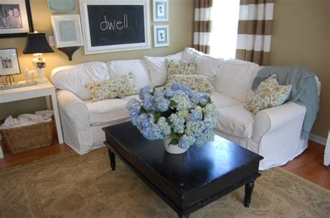 How To Accessorize A Coffee Table How To Accessorize A Coffee Table