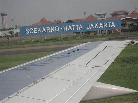 Manajemen Operasional Bandar Udara by Layanan Teknologi Informasi Untuk Maskapai Di Bandara
