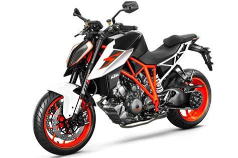 Ktm Superduke 1290 Msrp 2017 Ktm 1290 Duke R Ride 10 Fast Facts