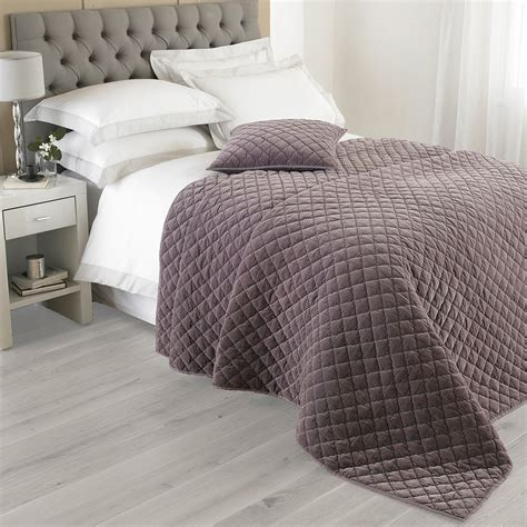 Quilted Cotton Bedspreads by Cotton Velvet Bedspread Luxury Quilted Bed Spread Throw